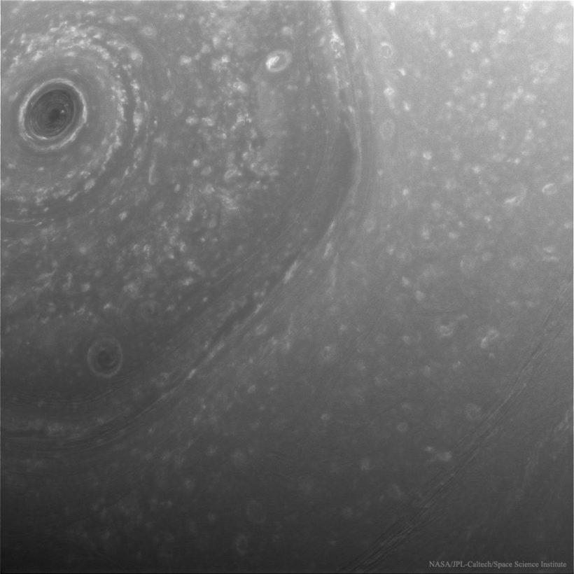 northsaturn_cassini_1024