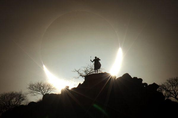 HybridSolarEclipse_Kamenew_960